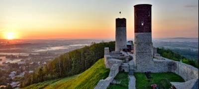 """Zamek Królewski w Chęcinach i zabytkowa kamienica """"Niemczówka"""" otwiera się dla turystów już od 16 maja!"""
